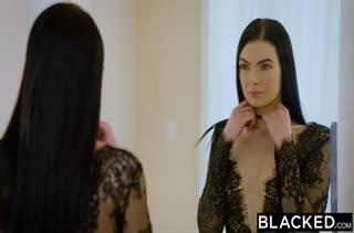 Офигенный секс с горячими темноволосыми девками 2266