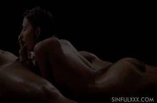 Офигенный секс с горячими темноволосыми девками 352