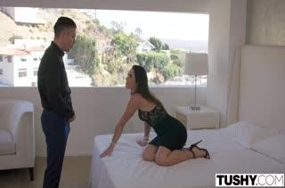 Офигенный секс с горячими темноволосыми девками 366