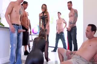 Групповое порно видео на телефон 1557