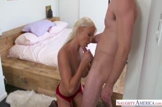 Аппетитная мамочка порадует красивым сексом 2727