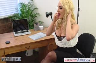 Порно на телефон в офисе 2925 скачать