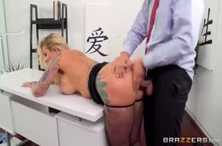 Бесстрашные коллеги устроили  порно на работе 2932