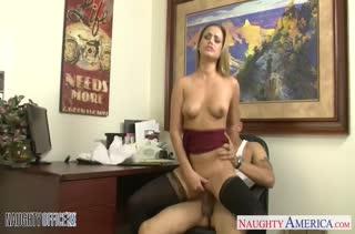 Порно видео снятое прямо на работе 2942