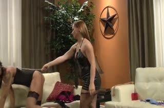 Девочки в чулках показывают страстный секс 1362