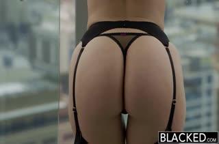 Горячее порно видео с милахами в чулках 1869